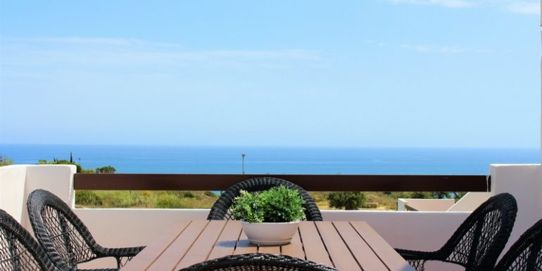 Dining at the Roof Terrace with sea views